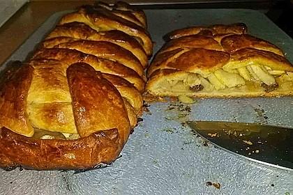 Apfelkuchen aus Hefemürbteig 54