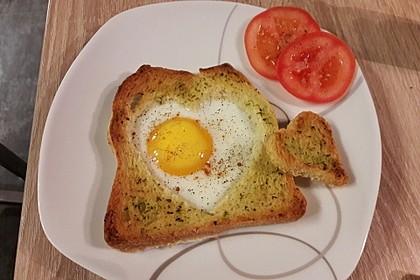 Eier im Toastbrot mit Rosmarin - Butter 26
