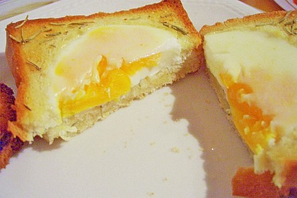 Eier im Toastbrot mit Rosmarin - Butter 38