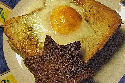 Eier im Toastbrot mit Rosmarin - Butter 45