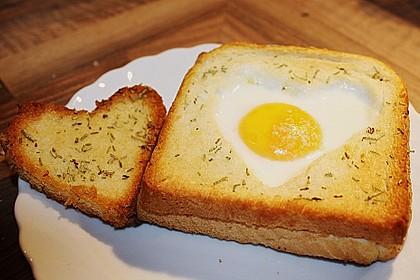 Eier im Toastbrot mit Rosmarin - Butter 2