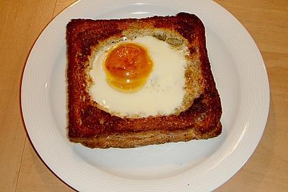 Eier im Toastbrot mit Rosmarin - Butter 52