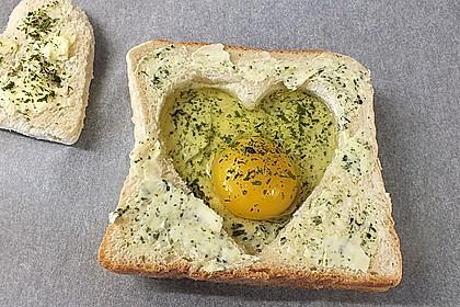 Eier im Toastbrot mit Rosmarin - Butter 28