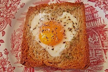 Eier im Toastbrot mit Rosmarin - Butter 32