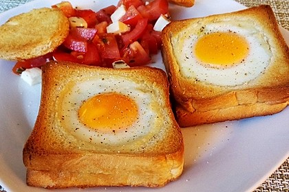Eier im Toastbrot mit Rosmarin - Butter 6