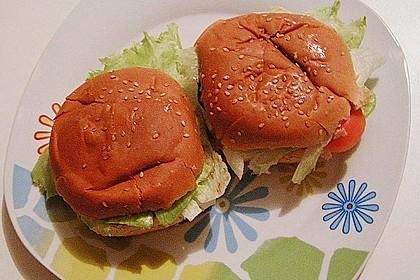 Tomaten-Auberginen-Avocado-Burger 75