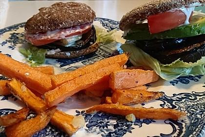 Tomaten-Auberginen-Avocado-Burger 59