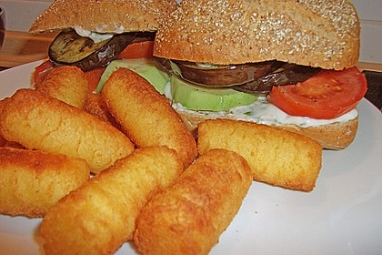 Tomaten-Auberginen-Avocado-Burger 61