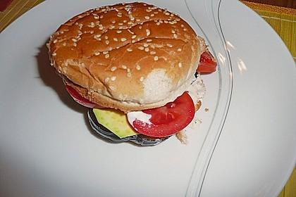 Tomaten-Auberginen-Avocado-Burger 82