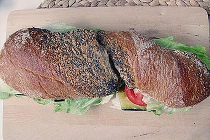 Tomaten-Auberginen-Avocado-Burger 53