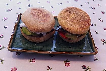 Tomaten-Auberginen-Avocado-Burger 64