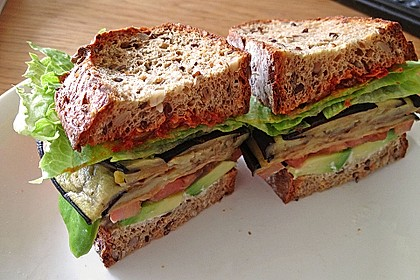 Tomaten-Auberginen-Avocado-Burger 10