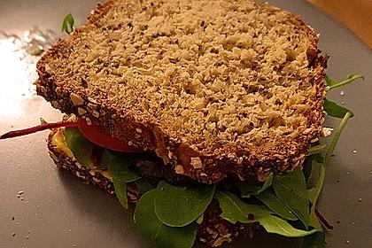 Tomaten-Auberginen-Avocado-Burger 31