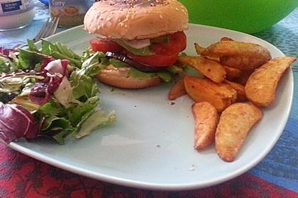 Tomaten-Auberginen-Avocado-Burger 50