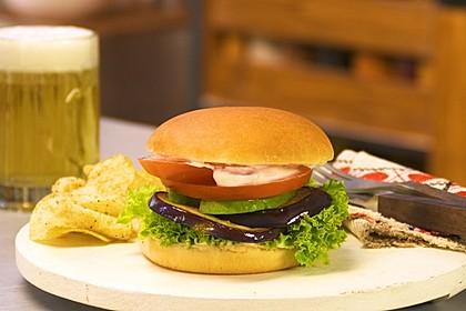Tomaten-Auberginen-Avocado-Burger 6