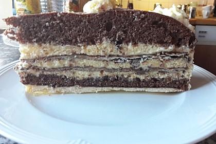 Weiße Vanille - Mascarpone - Mousse au Chocolat -Torte mit Mandelkrokant und dreierlei Böden 2