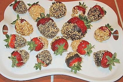 Erdbeeren mit Knusper - Schokohülle 2