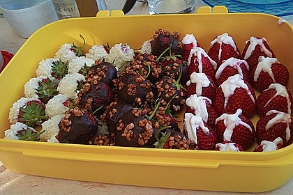 Erdbeeren mit Knusper - Schokohülle 5