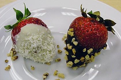 Erdbeeren mit Knusper - Schokohülle 1