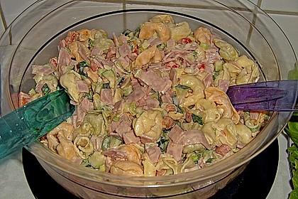 Tortellinisalat mit Zucchini und Schinken 2