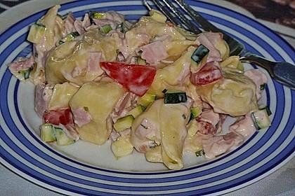 Tortellinisalat mit Zucchini und Schinken 5