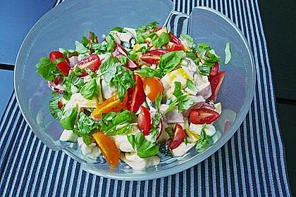 Tortellinisalat mit Zucchini und Schinken 10