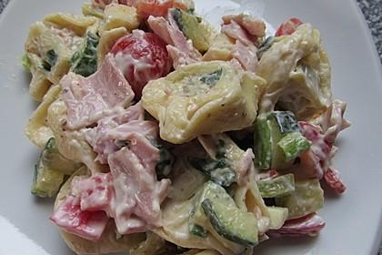Tortellinisalat mit Zucchini und Schinken 1