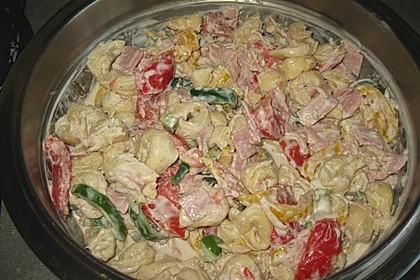 Tortellinisalat mit Zucchini und Schinken 7