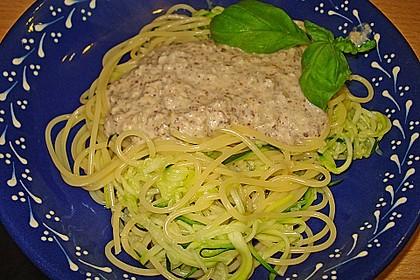 Spaghetti mit Zucchini und Haselnuss - Sauce 1