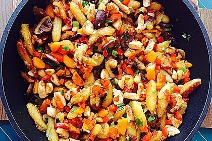 Schupfnudelpfanne mit Gemüse und Hähnchen