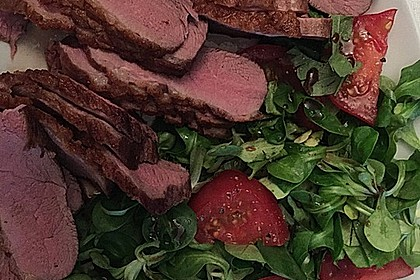Feldsalat mit lauwarmer Entenbrust 12