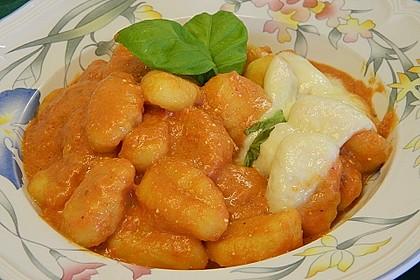 Gnocchi aus dem Ofen in Paprika - Tomaten - Sauce 12
