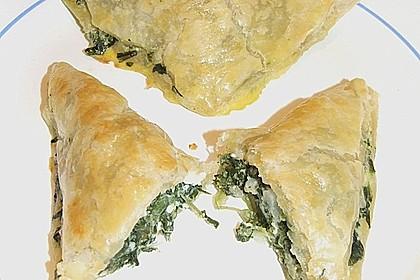 Blätterteig-Dreiecke mit Spinat und Feta 42