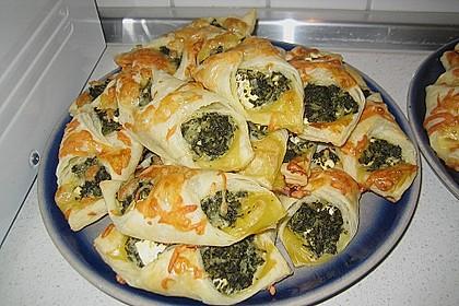 Blätterteig-Dreiecke mit Spinat und Feta 2