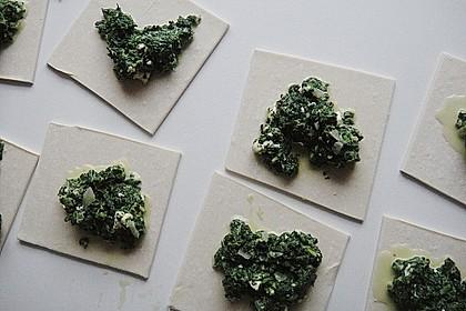 Blätterteig-Dreiecke mit Spinat und Feta 39
