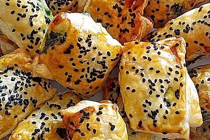 Blätterteig-Dreiecke mit Spinat und Feta 5
