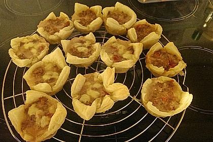 Herzhafte Blätterteig - Gehacktes - Muffins 16