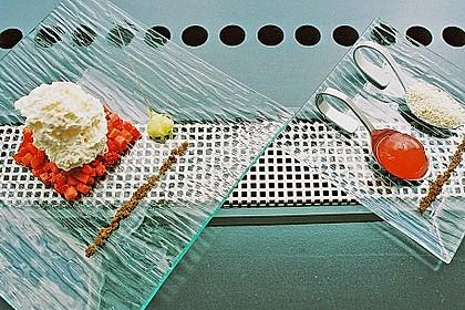 Nitro - Blumenkohlespuma mit Erdbeeren & Popcorn 1