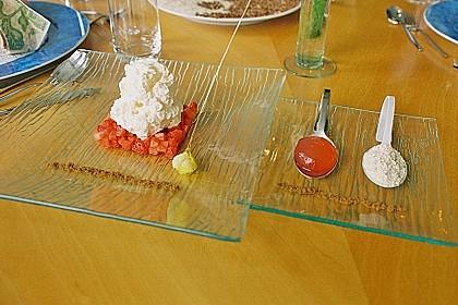 Nitro - Blumenkohlespuma mit Erdbeeren & Popcorn