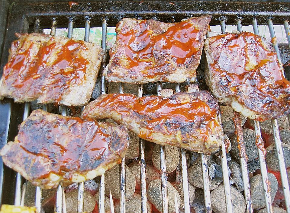 Spareribs Gasgrill Direkte Hitze : Spare ribs nach einem us rezept von klausthoma chefkoch.de