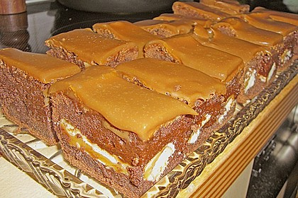 Twix White - Brownies mit Rahmkaramell - Topping 6