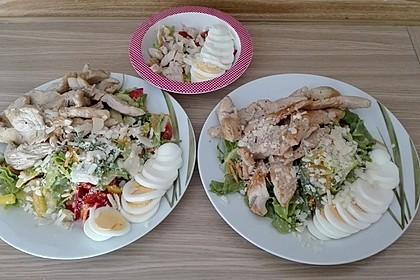 Bunter Sommersalat mit Putenbruststreifen und Caesars Dressing 7