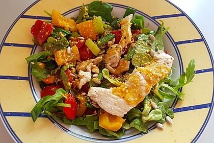 Bunter Sommersalat mit Putenbruststreifen und Caesars Dressing 2