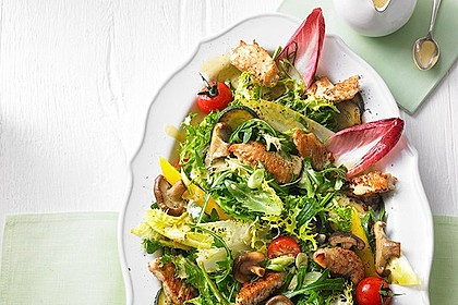 Bunter Sommersalat mit Putenbruststreifen und Caesars Dressing 1