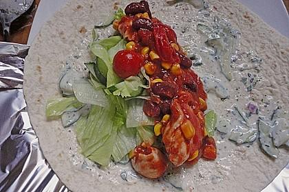 Chicken Wrap mit Gemüse, Guacamole und Crème fraîche 19