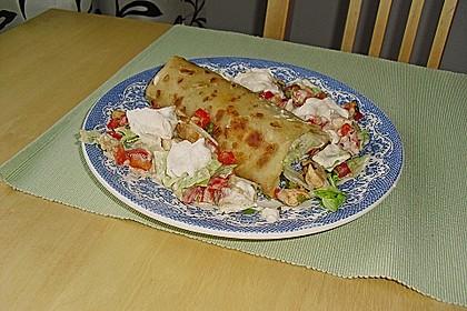 Chicken Wrap mit Gemüse, Guacamole und Crème fraîche 16
