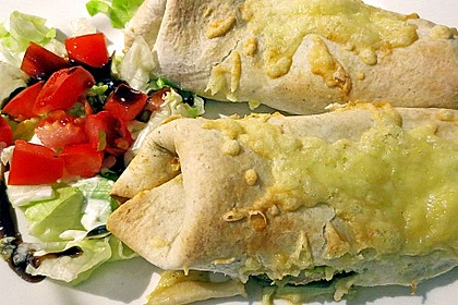 Chicken Wrap mit Gemüse, Guacamole und Crème fraîche 5