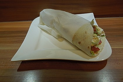 Chicken Wrap mit Gemüse, Guacamole und Crème fraîche 14