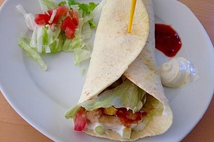Chicken Wrap mit Gemüse, Guacamole und Crème fraîche 8