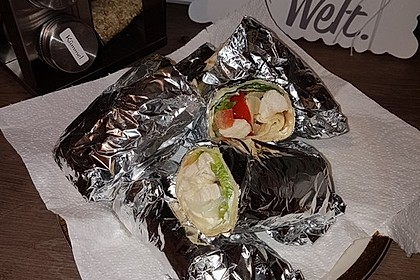 Chicken Wrap mit Gemüse, Guacamole und Crème fraîche 28